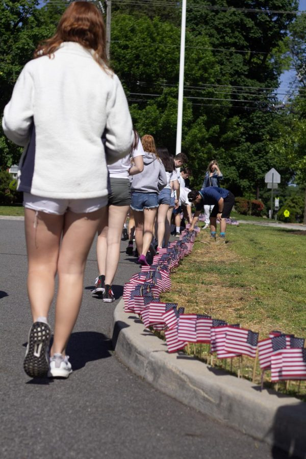 Students+place+flags+in+remembrance+of+soldiers+who+have+served+in+the+US+Military.