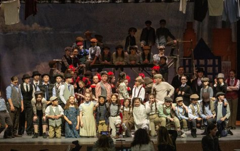 The cast of Newsies.